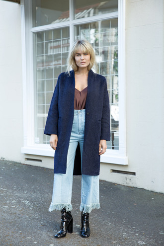 brooke testoni blogger coat high waisted jeans fringes mom jeans bell bottoms black boots blue coat satin frayed denim fall outfits