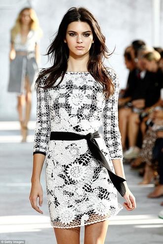 dress diane von furstenberg white dress lace dress kendall jenner short dress