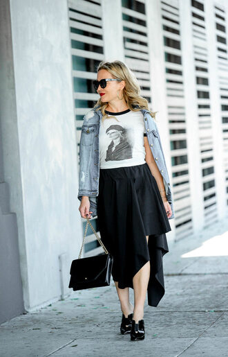 thehuntercollector blogger t-shirt skirt jacket bag sunglasses black bag denim jacket black skirt fall outfits