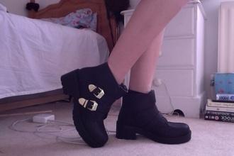 shoes pale grunge heel black boots buckle gold platform boots