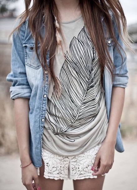 t-shirt beige feathers