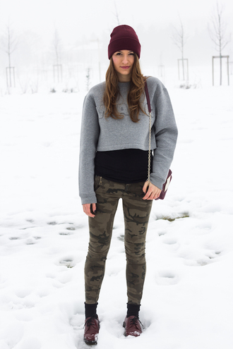 style and trouble blogger grey sweater cropped sweater alexander wang camo pants
