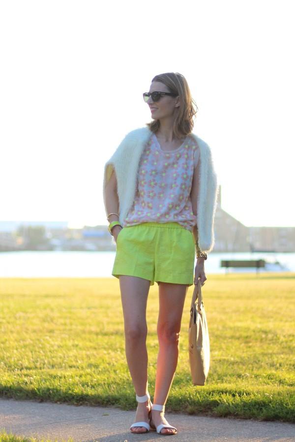 jess style rules shoes bag jewels sweater sunglasses