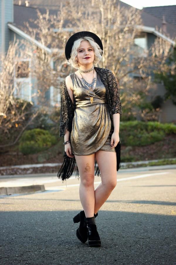 broke hell blogger dress metallic draped gold shiny shoes jewels hat