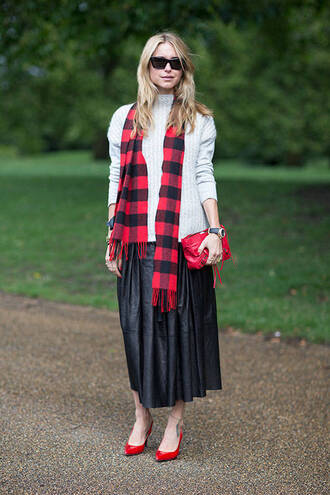 skirt red high heels streetstyle tartan scarf maxi skirt