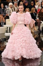 dress,gown,prom dress,wedding dress,ruffle,ruffle dress,lily rose depp,chanel,runway,model,pink,haute couture,fashion week 2017,tulle dress,pink dress,pastel dress,fashion week