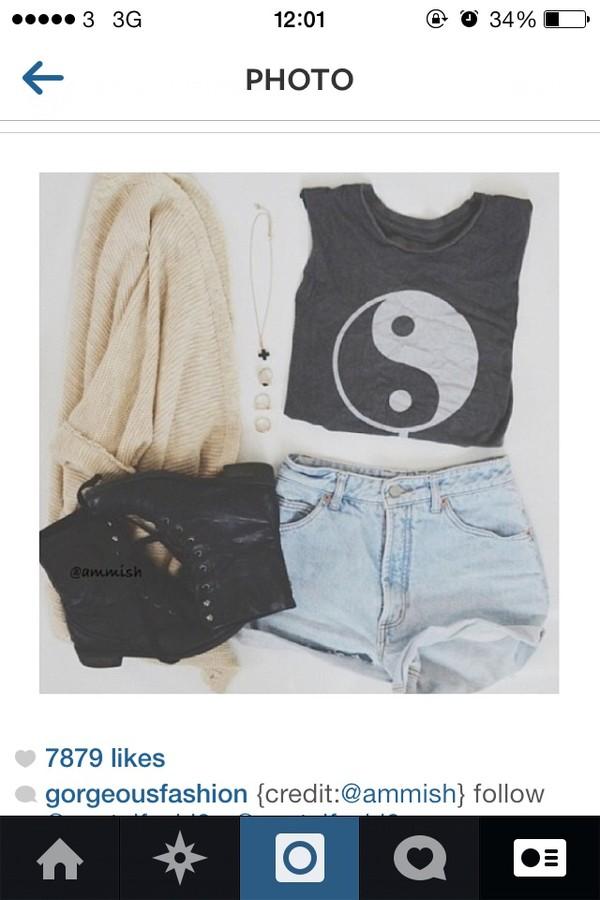 t-shirt black shirt yin yang white black shirt shorts sweater shoes