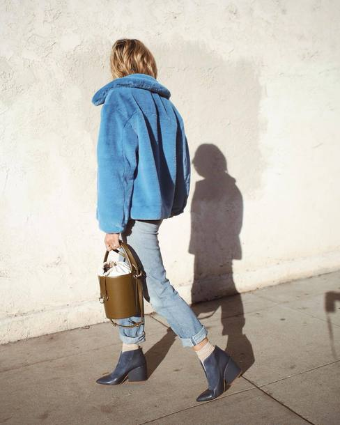 jacket tumblr faux fur jacket fur jacket blue jacket denim jeans blue jeans boots blue boots ankle boots monochrome monochrome outfit bag all blue