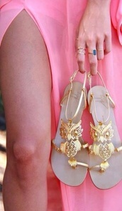 shoes,gold flat sandals,Gold low heel sandals,sandals,gold,owl,owls,owl city,owl studs,miley cyrus,summer,summer shoes,beach,boho,bohemian,boho chic