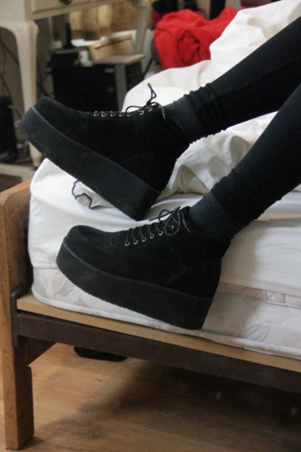 shoes platform shoes platform sneakers black lace up flatform boots creepers smooth velvet grunge high-top punk black shoes