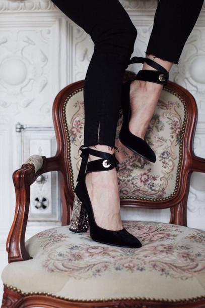 5f0c29672f59 shoes tumblr velvet velvet shoes pumps black heels high heels thick heel  block heels jeans black