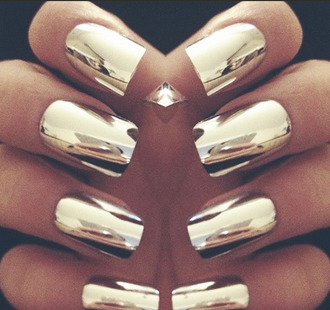 nail polish gold