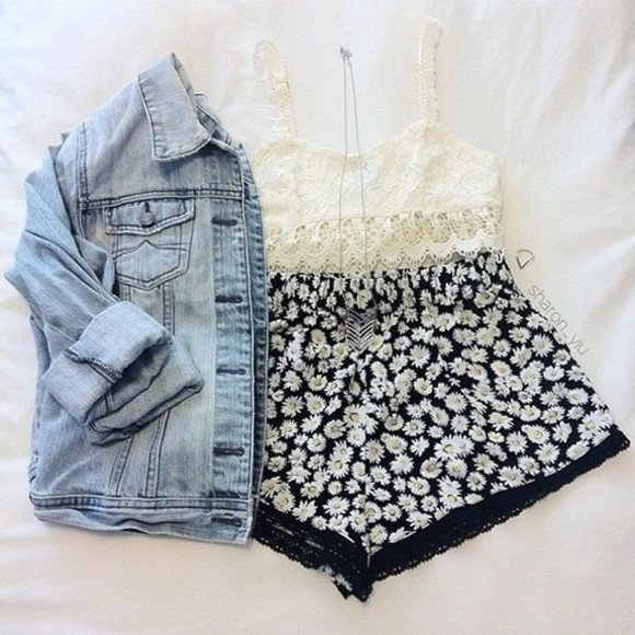 floral shorts floral black and white lacy High waisted shorts high waisted black jeans top daisy skirt crop tops bralette lace