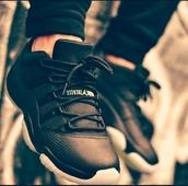 shoes,jordans,black white jordons,jordan11,sneakers,snake skin,jordan