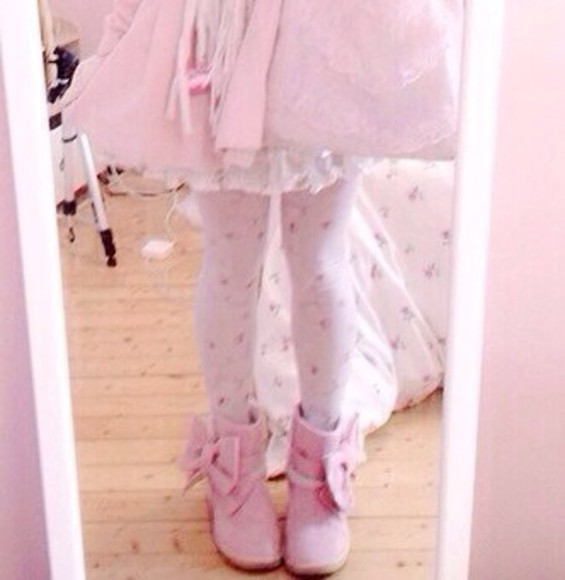 shoes boots pink kawaii pink shoes bows kawaii princess fairy kei booties