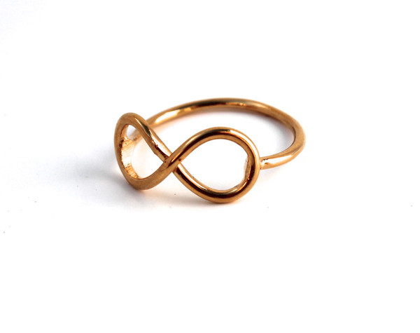 Gold infinity ring – lumo