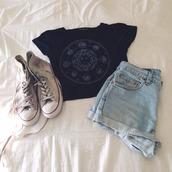 shirt,black,short,blue jeans,converse,boho,urban,find exact,love,outfit,tumblr