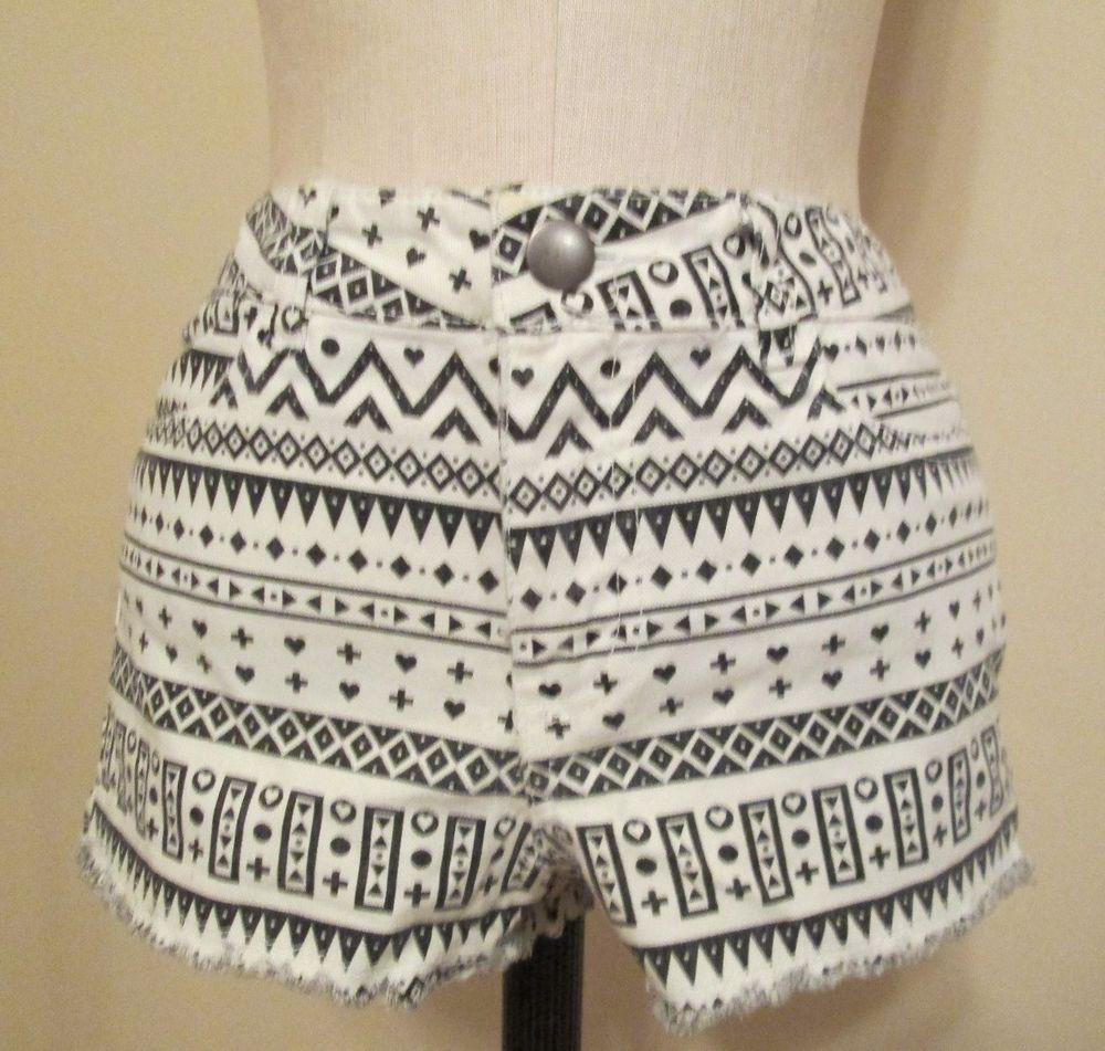 H M Divided Cotton Blend Black White Tribal Print 4 Pocket Shorts Sz 8 | eBay