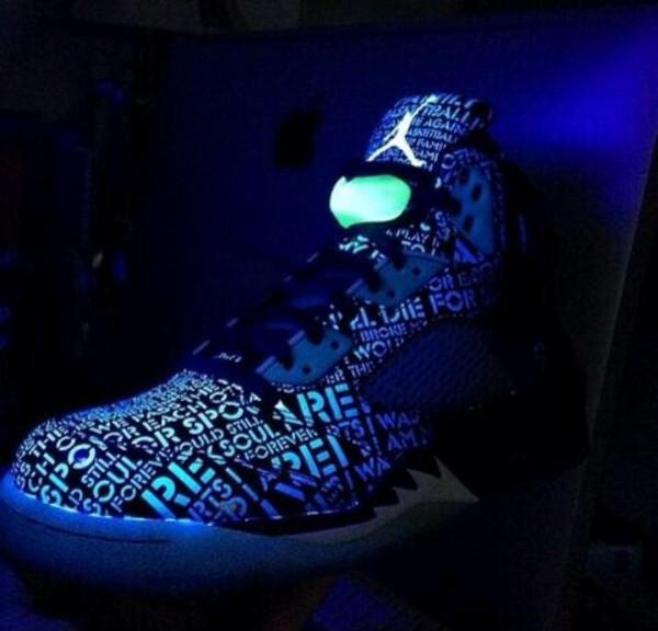 Doernbecher 5 Glow In The Dark On Feet aaa air jordans...