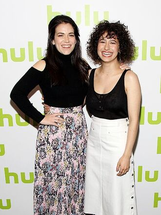 skirt ilana glazer abbi jacobson white skirt midi skirt floral skirt maxi skirt high waisted skirt top black top tank top black tank top cut out shoulder long sleeves celebrity style celebrity actress