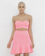 skirt,outfit,outfit set,crop tops,pink,pink outfit,pink crop top,pink skirt,ruffle,ruffle skirt