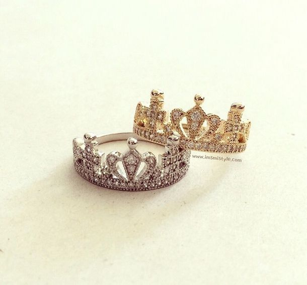jewels rings and tings gold ring rings silver rings cute summer rings & tings silver silver ring silver jewelry silver midi rings gold midi rings gold ring gold crown crown ring crown rings instagram diamantes diamonds diamond ring crown jewelry fashion girl girly girly wishlist instagram