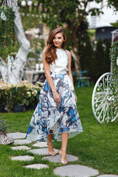 the mysterious girl,blogger,bag,shoes,jewels,asymmetrical,white top,maxi skirt,floral skirt,strappy heels,Silver sandals,midi floral skirt