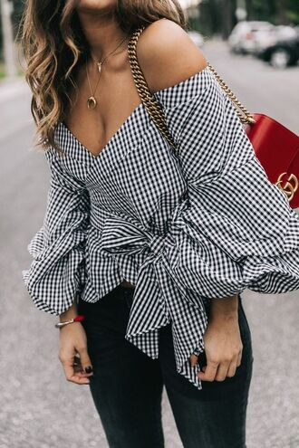 shirt gingham bell sleeve shirt black jeans blogger date outfit sexy outfit