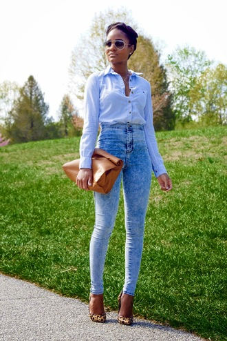 the daileigh t-shirt jeans shoes bag sunglasses brown bag lunch bag