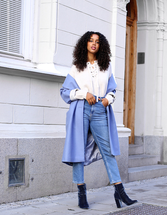 le fashion image blogger sweater coat jeans ankle boots blue coat lace up jumper