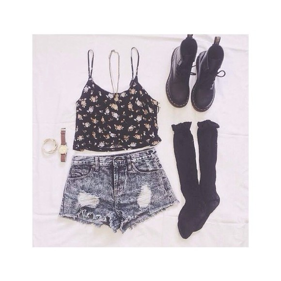 shorts blouse crop tops high waisted short summer summer outfits boots