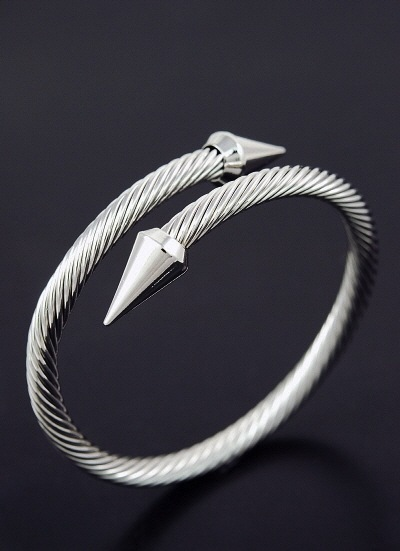 Pointed edge wire bangle bracelet