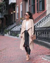 coat,soft,trench coat,jeans,ripped jeans,high waisted jeans,pumps,shoulder bag,white blouse,aviator sunglasses