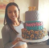 top,karrueche,instagram,birthday,cake