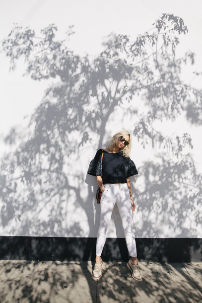 that's chic blogger cropped pants white pants top pants