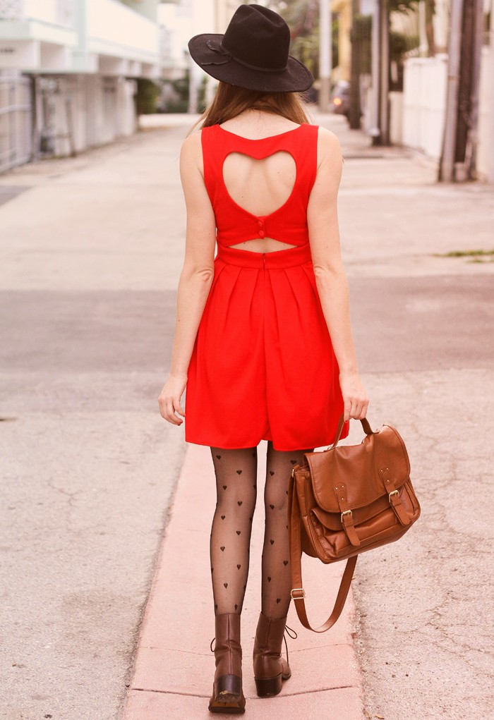 Red Straps Back Heart Cut Out Pleated Dress - Sheinside.com
