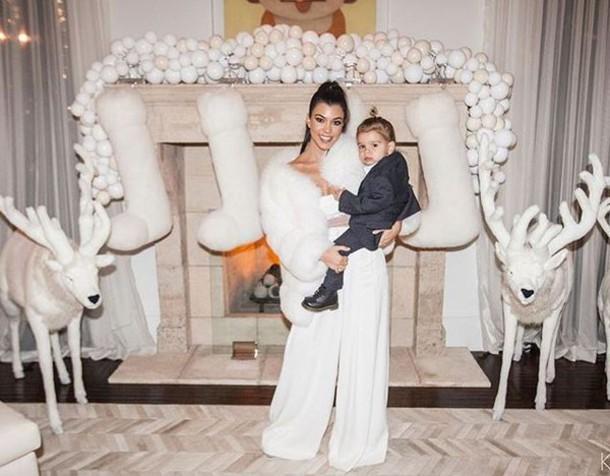 pants white wide leg pants kourtney kardashian fur christmas instagram kardashians wheretoget - Kardashians Christmas Photos