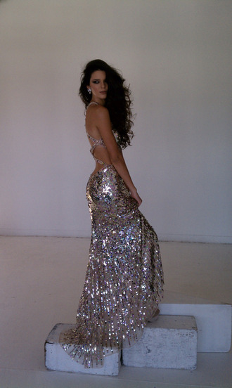 dress kendall jenner prom dress gold silver sequin sequins sequin dress sparkles sparkle dress low back low cut back