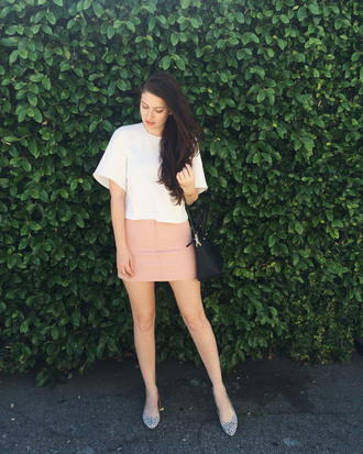 these days blogger jewels white top pink skirt mini skirt black bag flats