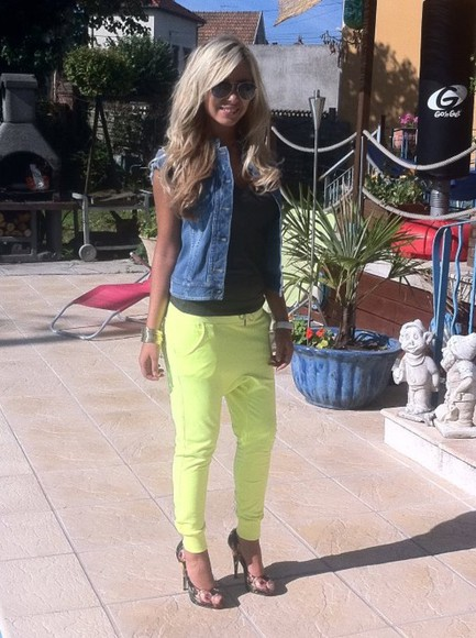 yellow pants pants green pants
