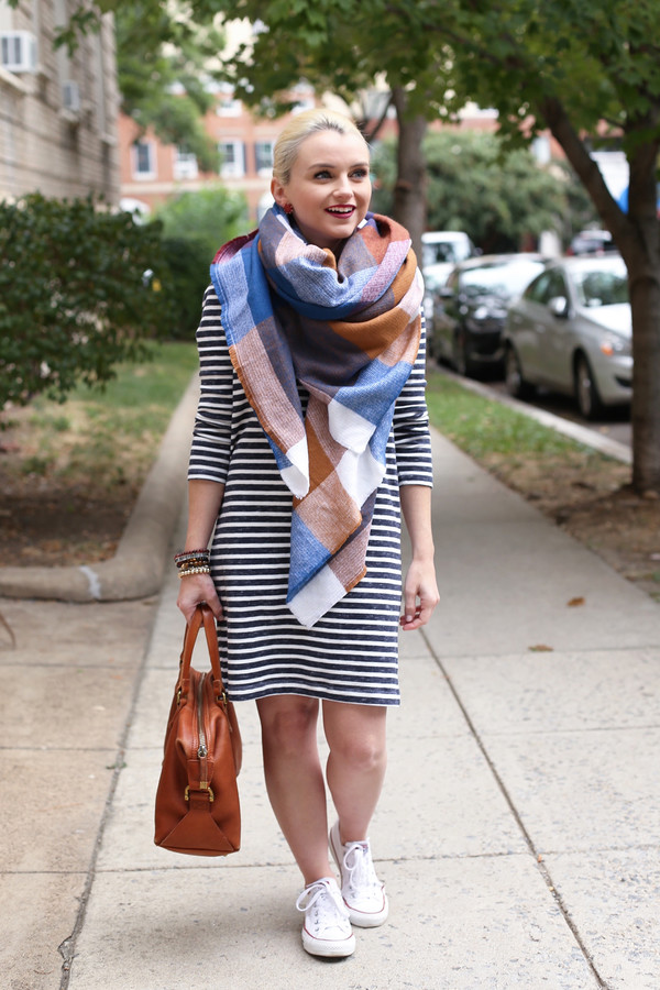 poor little it girl blogger striped dress blanket scarf fall outfits