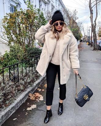 coat tumblr white coat oversized oversized coat teddy bear coat fuzzy coat pants black pants cropped pants boots black boots ankle boots beanie pom pom beanie black beanie