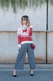 macarenagea,blogger,sweater,pants,sunglasses,bag,shoes,winter sweater,winter outfits,pumps,grey pants,socks,tumblr,christmas,christmas sweater,ugly christmas sweater,red sweater,cropped pants,culottes,plaid,plaid pants,red bag