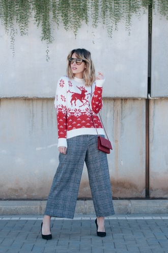 macarenagea blogger sweater pants sunglasses bag shoes winter sweater winter outfits pumps grey pants socks tumblr christmas christmas sweater ugly christmas sweater red sweater cropped pants culottes plaid plaid pants red bag