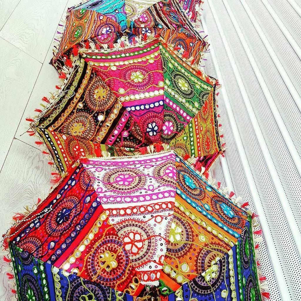 Wholesale 25 pcs Sun Protection Umbrella Indian Embroidered Parasol Woman Umbrella Decorative Umbrella Wedding Function Beach Umbrella