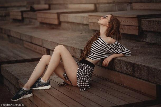skirt plaid skirt mini skirt black and white top wide top striped top black and white striped top