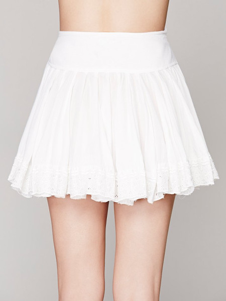 People White Finished in Lace Mini Skirt