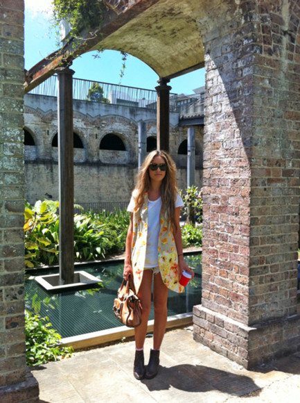 grey boots jacket clothes summer floral bag white t-shirt shoes cute t-shirt top white vest yellow shorts sunnies summber tan coat tumblr bright tumblr blog tumblr girl blogger fashion style fresh dress holiday fashion blogger