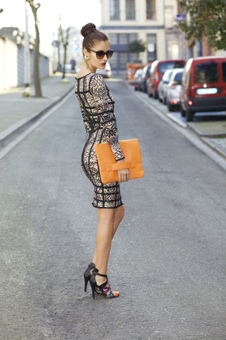 from brussels with love blogger pouch bodycon dress