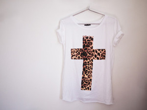 cross t-shirt betty chiara printed black t-shirt
